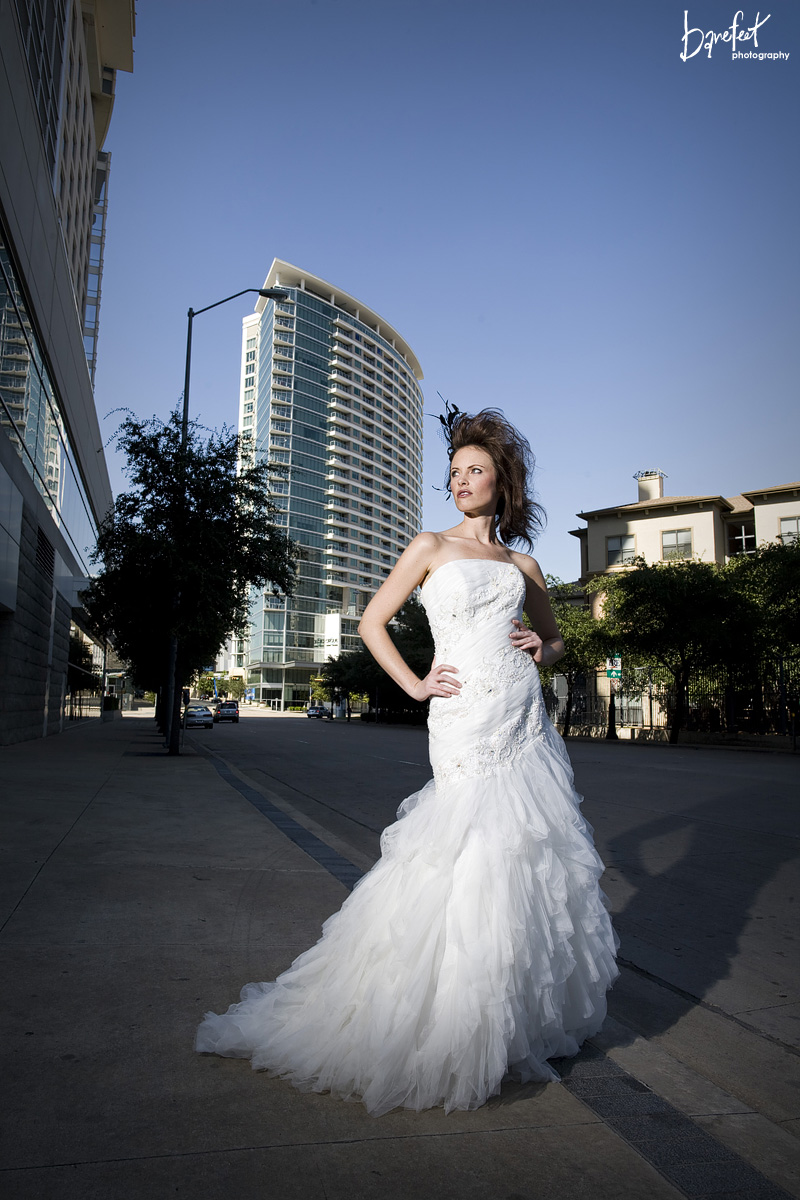 Interesting lighting with a beautiful bride in downtown Dallas